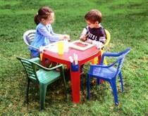Детский пластиковый стол Marian Plast с карманами